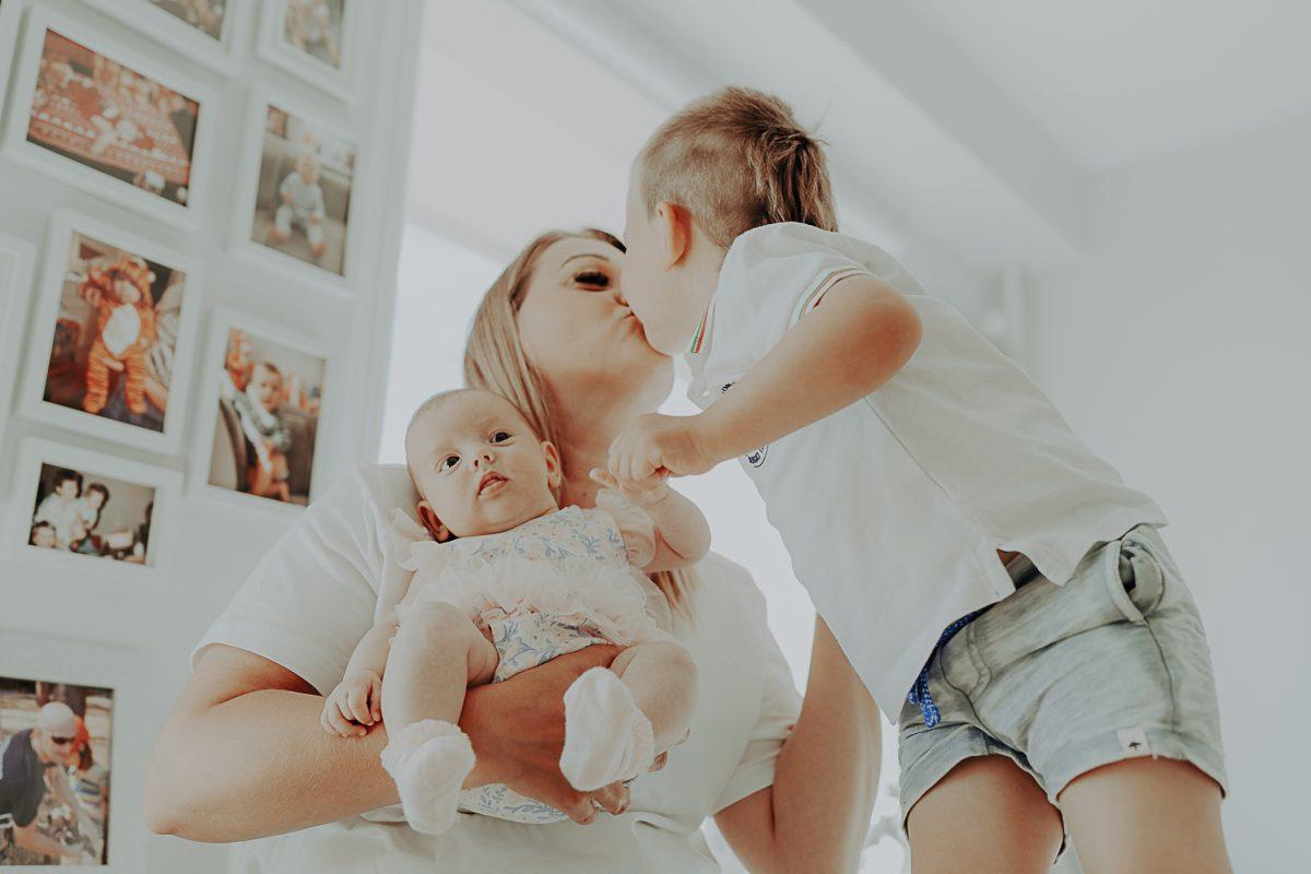 lifestylowa sesja noworodkowa w domu